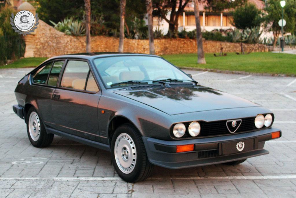 Alfa Romeo GTV 2.0 1982 For Sale (picture 1 of 6)