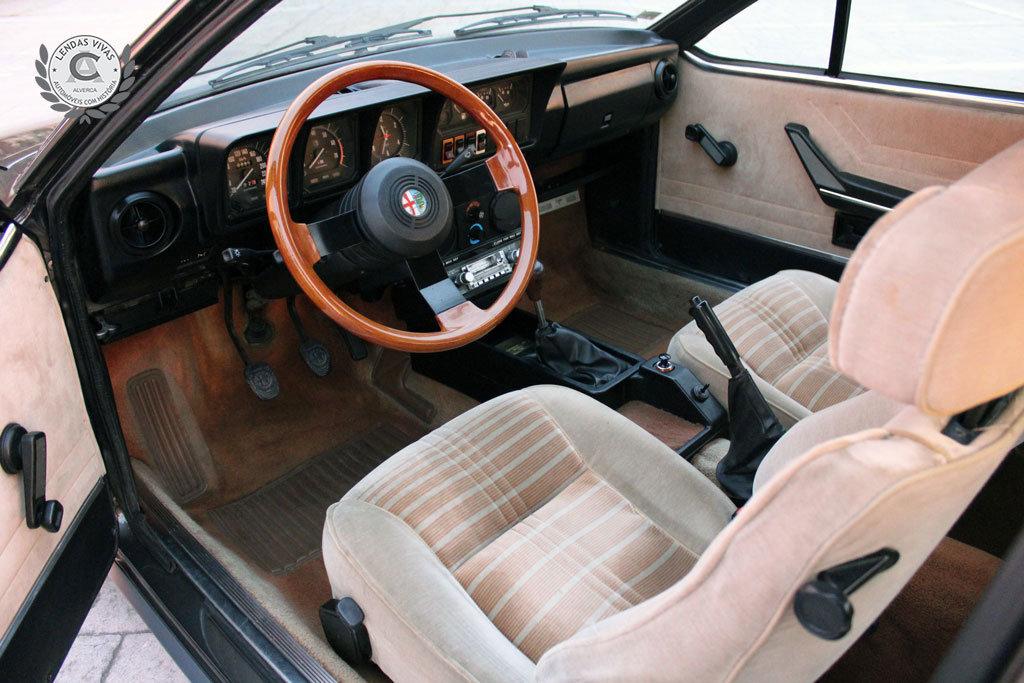 Alfa Romeo GTV 2.0 1982 For Sale (picture 3 of 6)