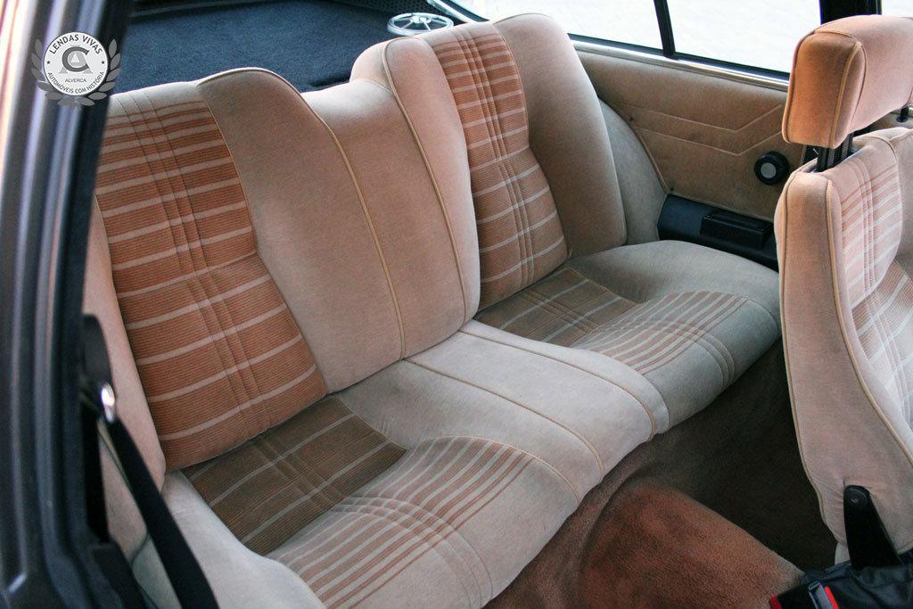 Alfa Romeo GTV 2.0 1982 For Sale (picture 4 of 6)