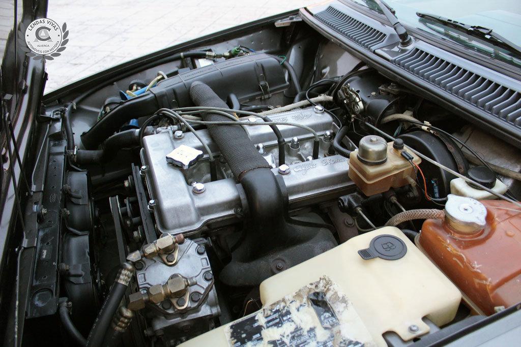 Alfa Romeo GTV 2.0 1982 For Sale (picture 5 of 6)