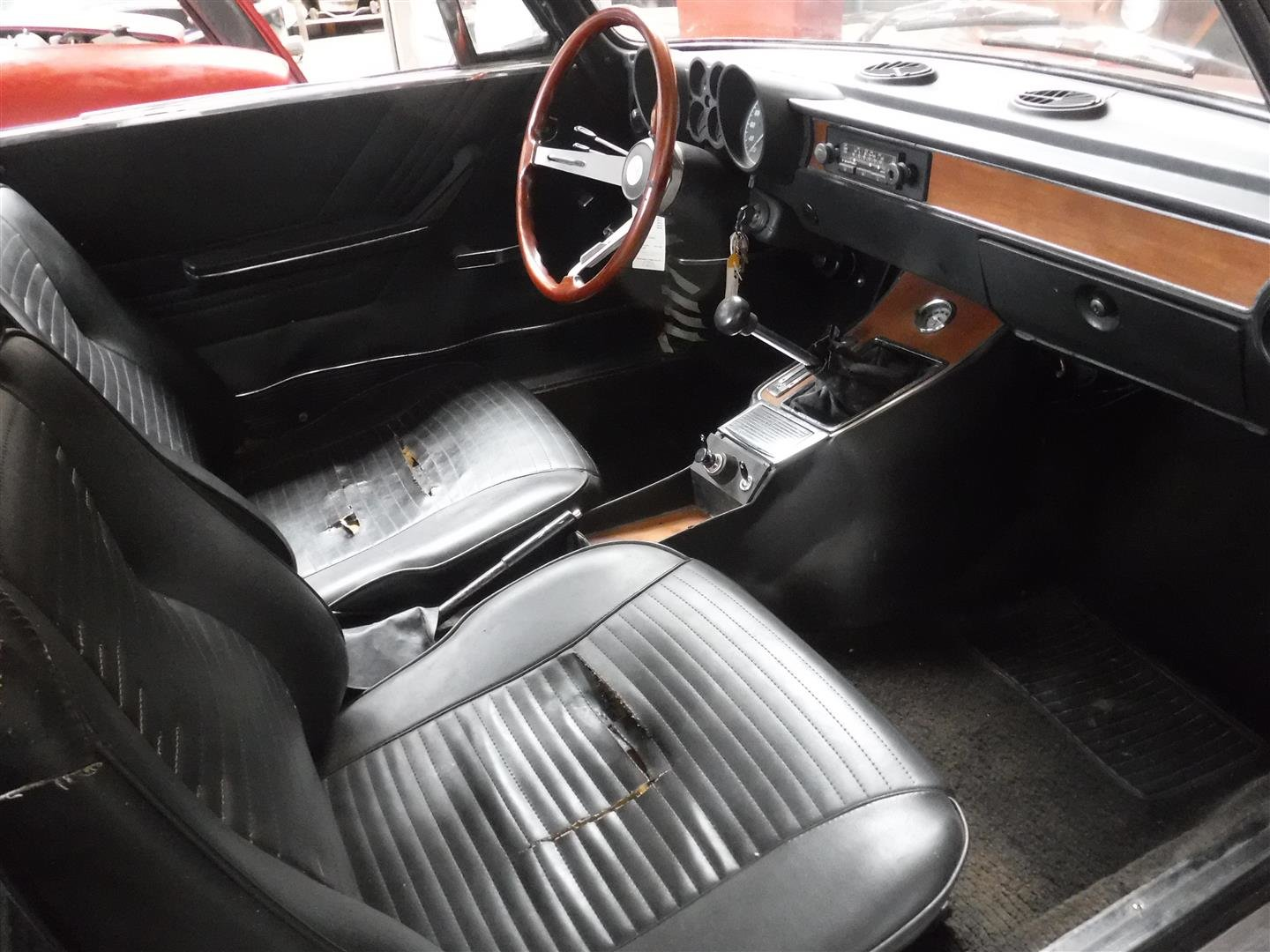 Alfa Romeo 1300 GT Jr 1975 For Sale (picture 4 of 6)