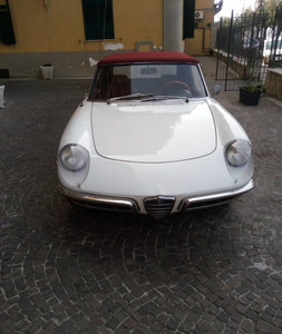 Picture of 1969 Alfaromeo duetto spider