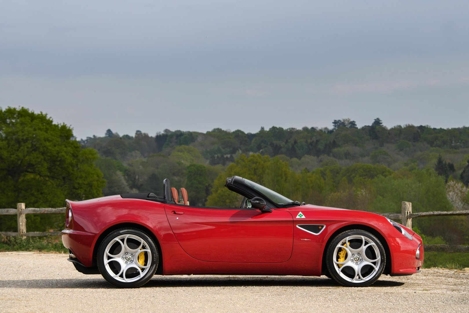 2010 Alfa Romeo 8C Spider - 3000 miles from new, two owners  For Sale (picture 2 of 6)