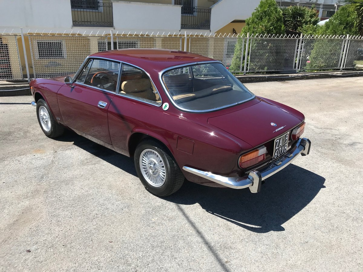 1972 Alfa Romeo GT 2000 Veloce For Sale (picture 2 of 6)