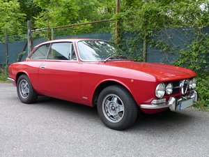 Picture of 1971 Very well maintained Alfa GTV Bertone 1750, rust-free SOLD