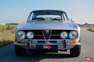 1970 Alfa Romeo 1750 GTV - original configuration, very nice car