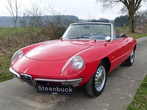 Alfa Romeo Spider 1600 (Duetto) - authentic classic