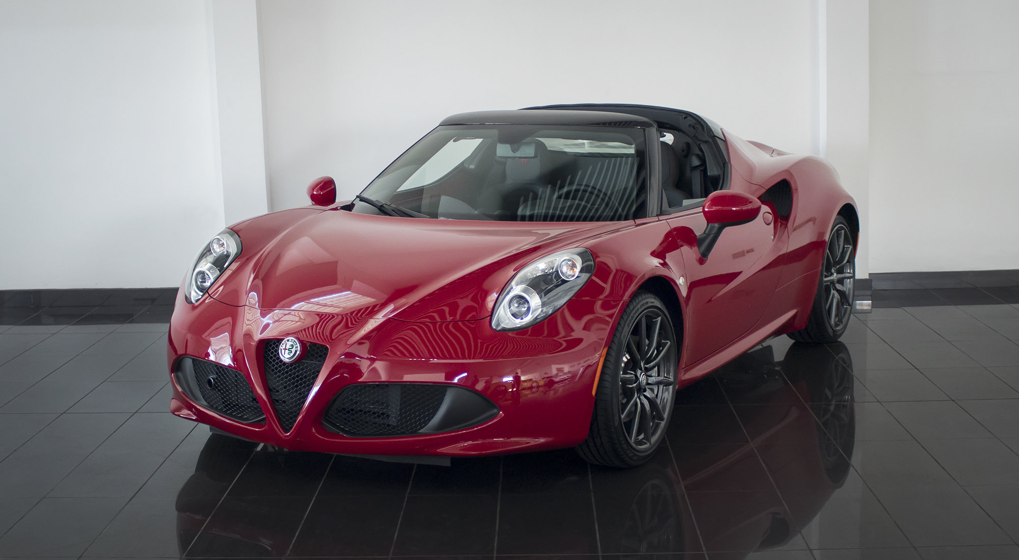 Alfa Romeo 4C Spider (2017) For Sale (picture 2 of 6)