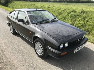 Alfa Romeo Alfetta GTV 2.0 Very original, FSH, tool kit etc