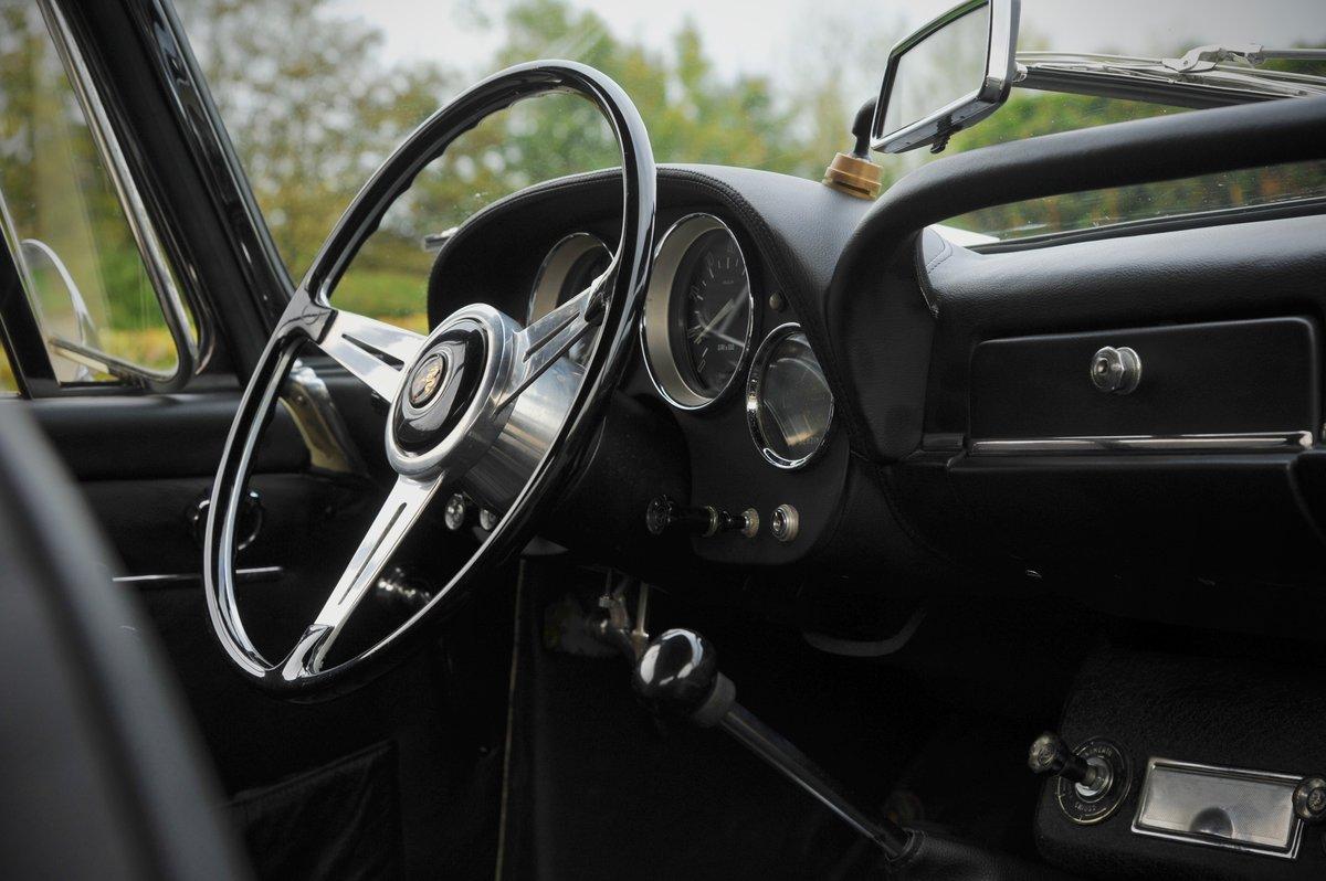 1963 Alfa Romeo 2600 Spider For Sale (picture 4 of 6)