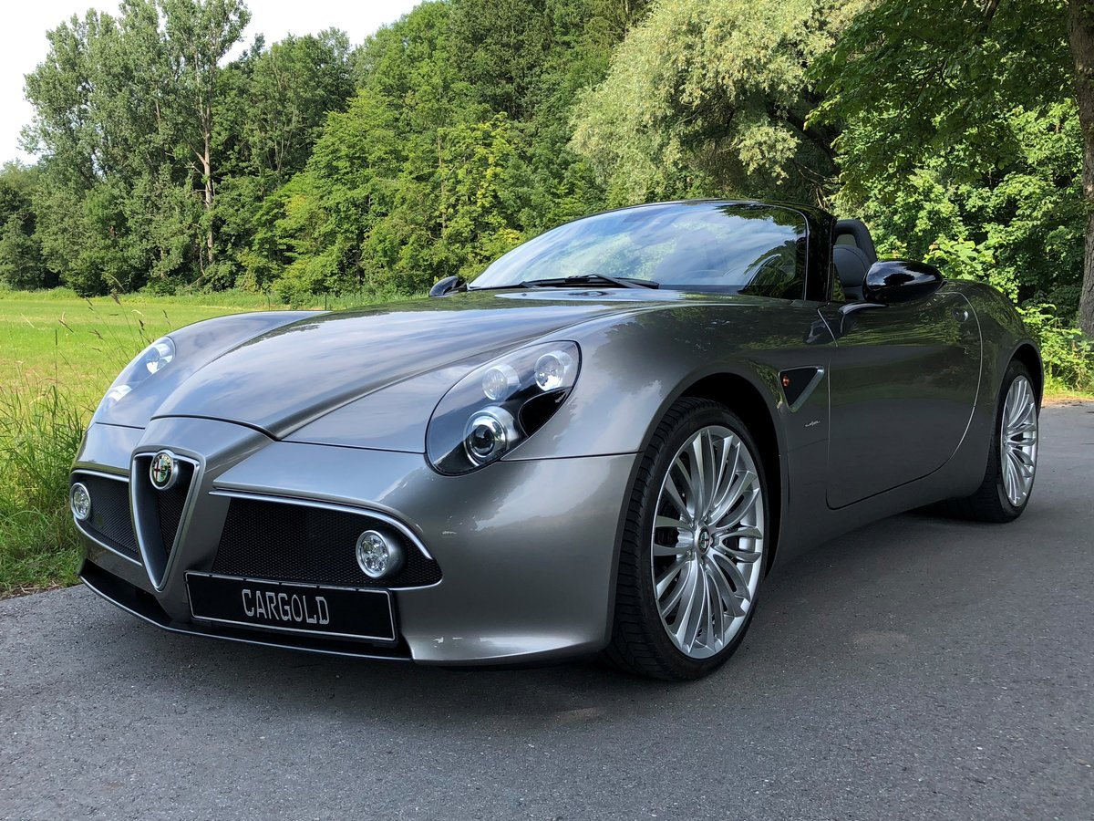 2010 Alfa Romeo 8C Spider, rare color, one owner, just 7.423 km! For Sale (picture 1 of 6)