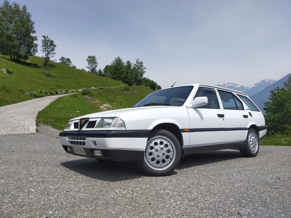 1993 One of the 573 alfa sport wagon 16v pemanent q4 For Sale (picture 1 of 6)