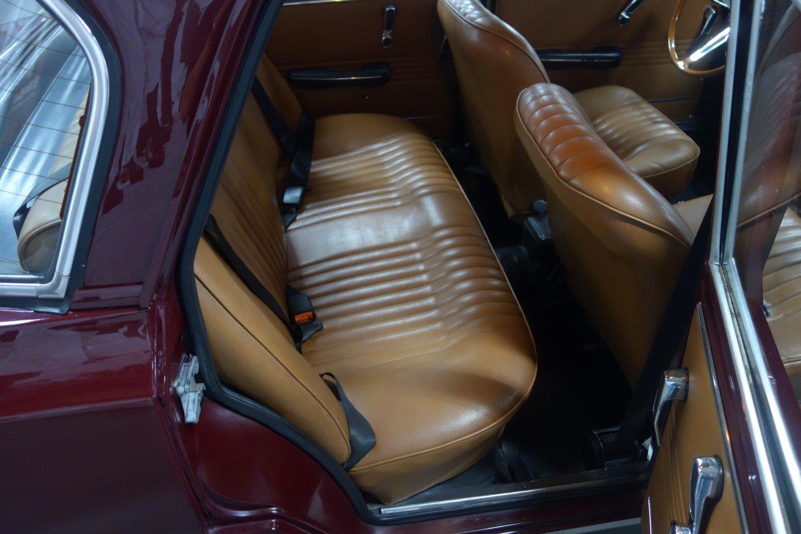 1971 Alfa Romeo Giulia 1300 Super SOLD (picture 3 of 6)