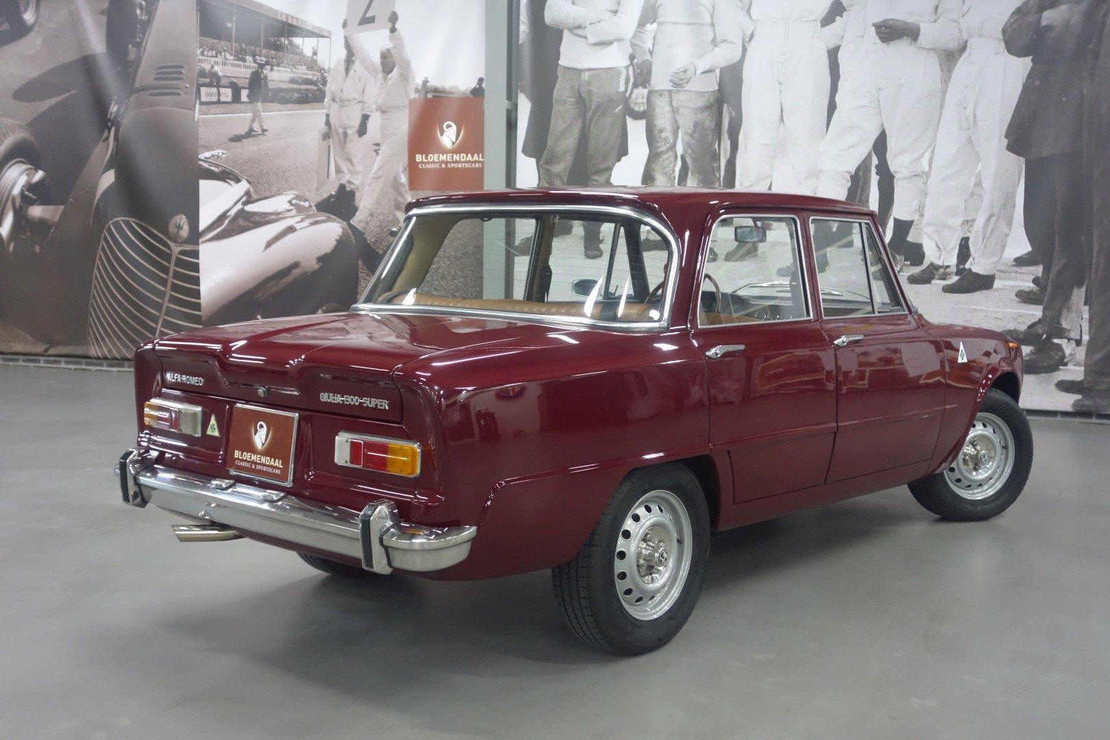 1971 Alfa Romeo Giulia 1300 Super SOLD (picture 5 of 6)