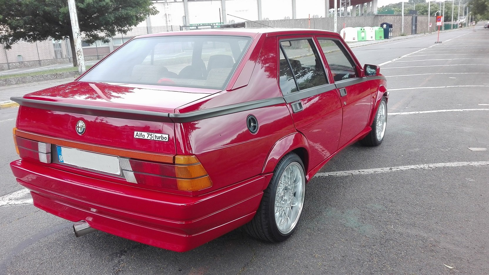 1986 Alfa Romeo 75 exceptionnal State For Sale (picture 2 of 6)