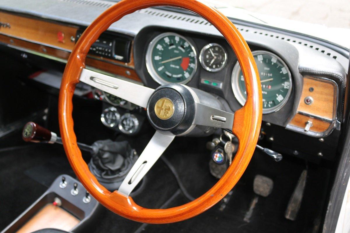 1972 ALFA ROMEO GIULIA SUPER 1.6,REBUILT ENGINE & GEARBOX For Sale (picture 3 of 6)