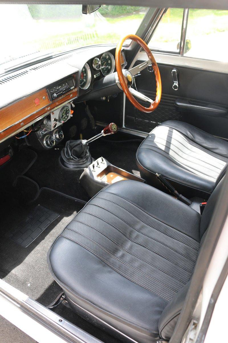 1972 ALFA ROMEO GIULIA SUPER 1.6,REBUILT ENGINE & GEARBOX For Sale (picture 4 of 6)