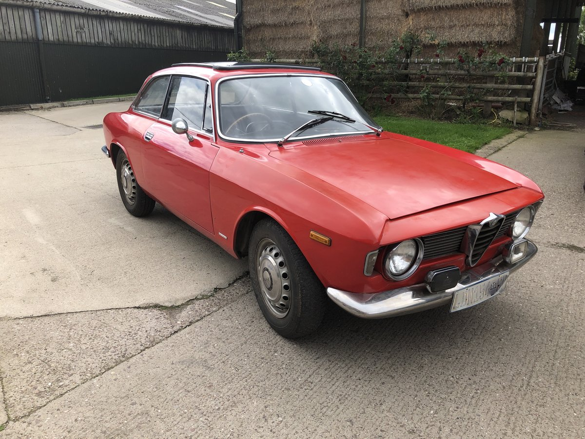 1965 Alfa Romeo Guilia Sprint GT SOLD (picture 1 of 6)