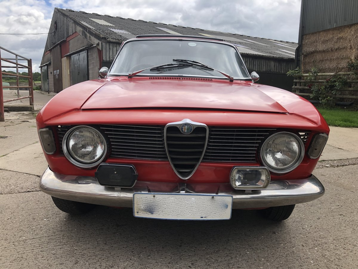 1965 Alfa Romeo Guilia Sprint GT SOLD (picture 2 of 6)