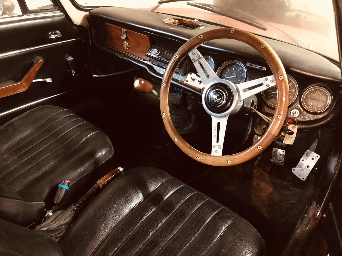 1965 Alfa Romeo Guilia Sprint GT SOLD (picture 5 of 6)