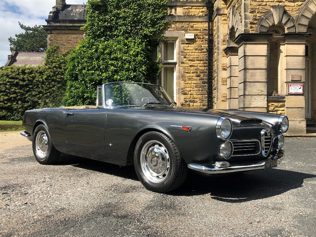 1963 Alfa Romeo 2600 Spider by Touring SOLD (picture 1 of 7)