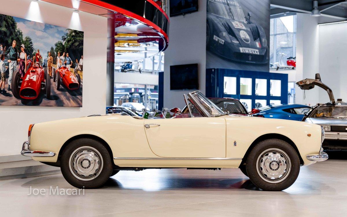 1963 Alfa Romeo Giulia Spider For Sale (picture 3 of 14)
