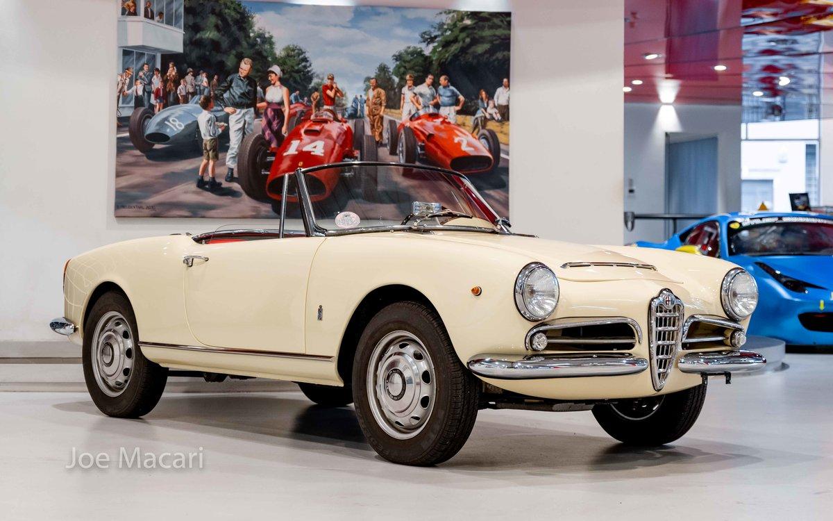 1963 Alfa Romeo Giulia Spider For Sale (picture 4 of 14)