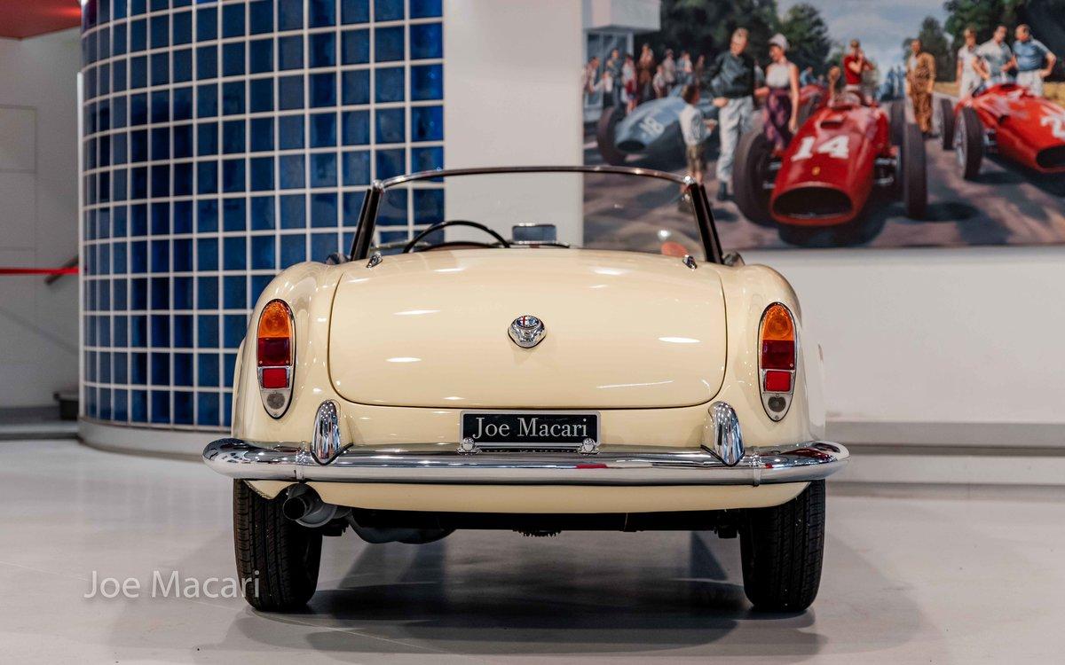 1963 Alfa Romeo Giulia Spider For Sale (picture 5 of 14)