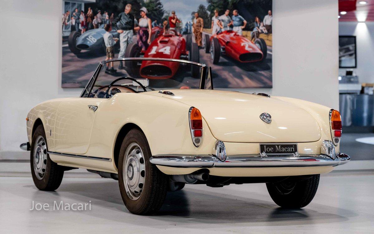 1963 Alfa Romeo Giulia Spider For Sale (picture 6 of 14)