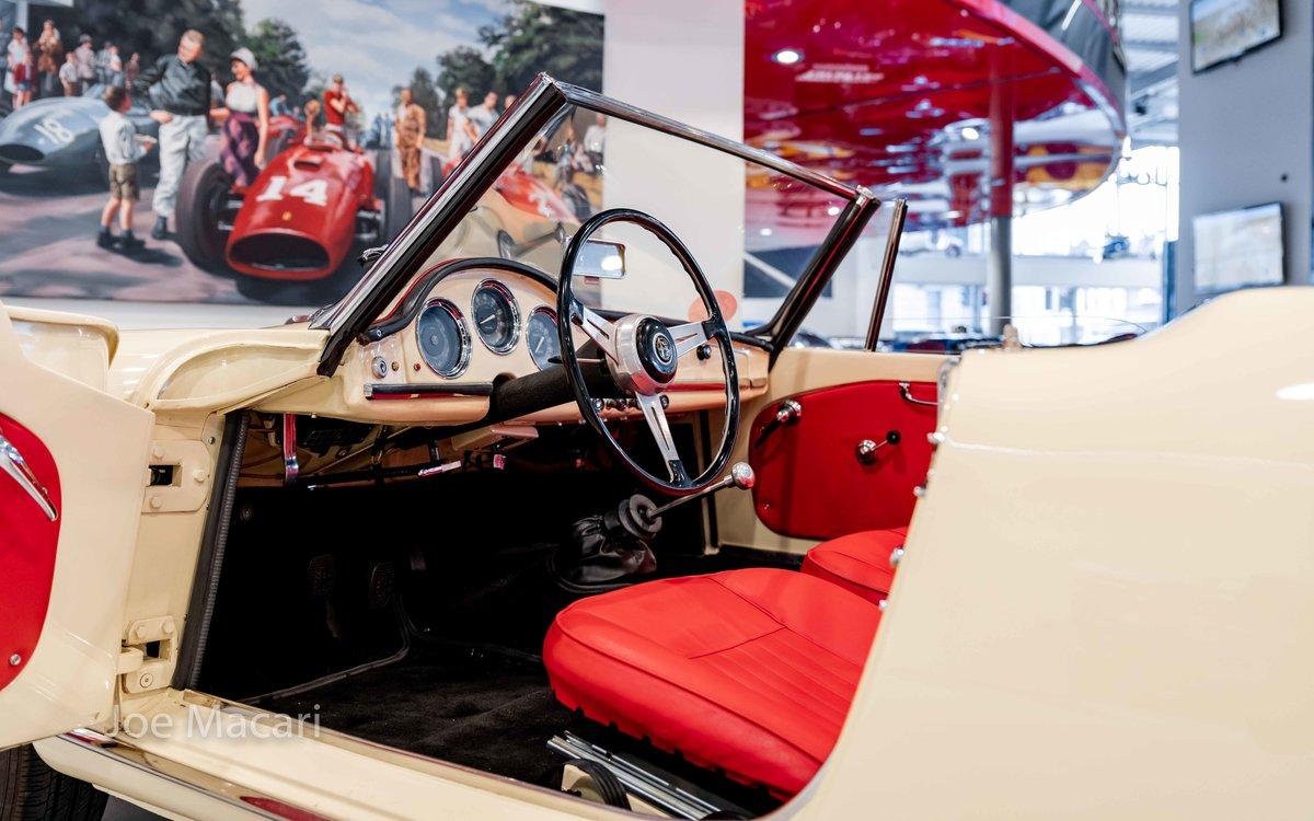 1963 Alfa Romeo Giulia Spider For Sale (picture 11 of 14)