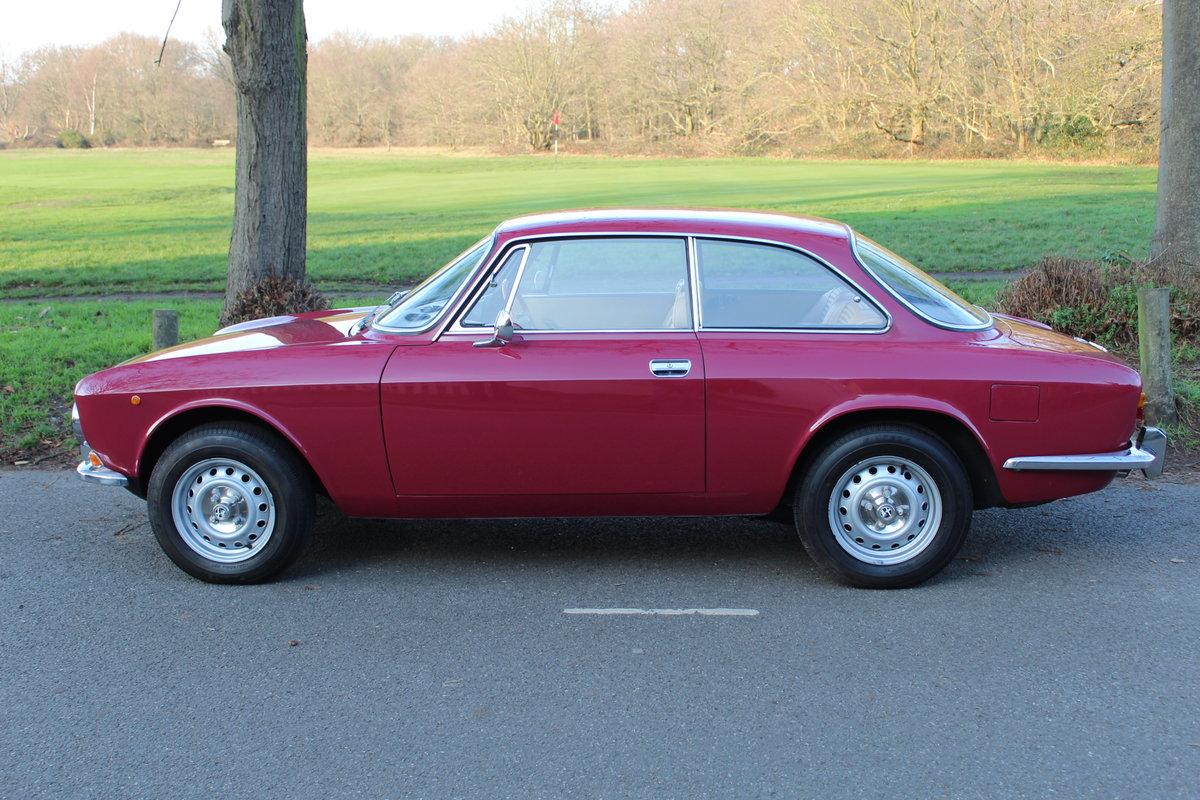 1973 Alfa Romeo Bertone 2000 GT Veloce  SOLD (picture 2 of 6)