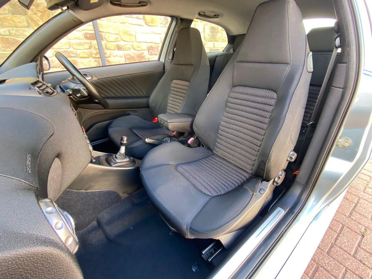 2004 ALFA ROMEO 147 GTA FUTURE CLASSIC 3.2 V6 AUTO * RARE AZZURRO For Sale (picture 3 of 6)