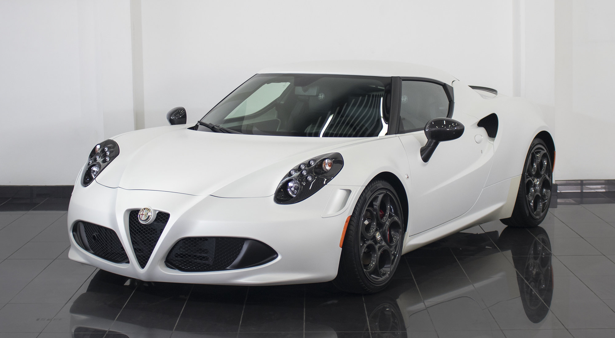 Alfa Romeo 4C Launch Edition (2015) For Sale (picture 2 of 6)