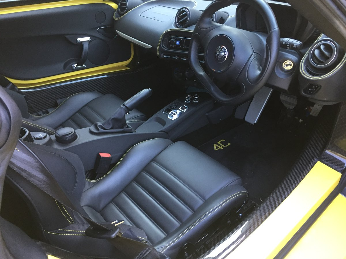 2017 Alfa Romeo 4c like new 2000 miles SOLD (picture 2 of 6)