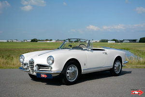 Alfa Romeo Giulietta Spider 1959 matching numbers and colors For Sale