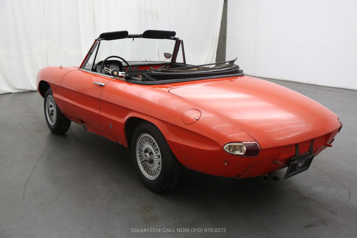 1967 Alfa Romeo Giulia Spider Duetto For Sale (picture 4 of 6)