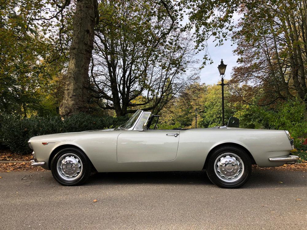 1964 Alfa Romeo 2600 Spider For Sale (picture 4 of 24)