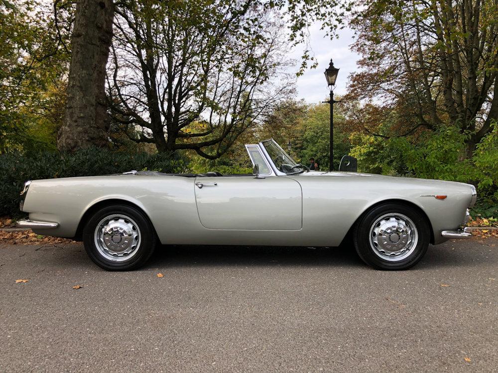 1964 Alfa Romeo 2600 Spider For Sale (picture 5 of 24)
