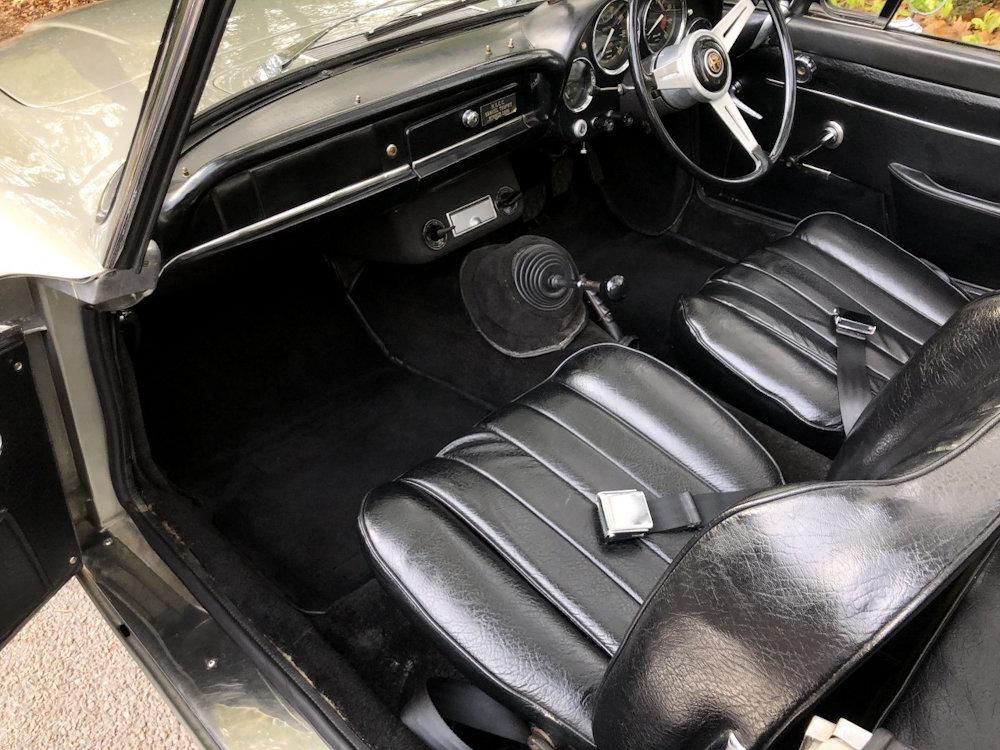 1964 Alfa Romeo 2600 Spider For Sale (picture 9 of 24)