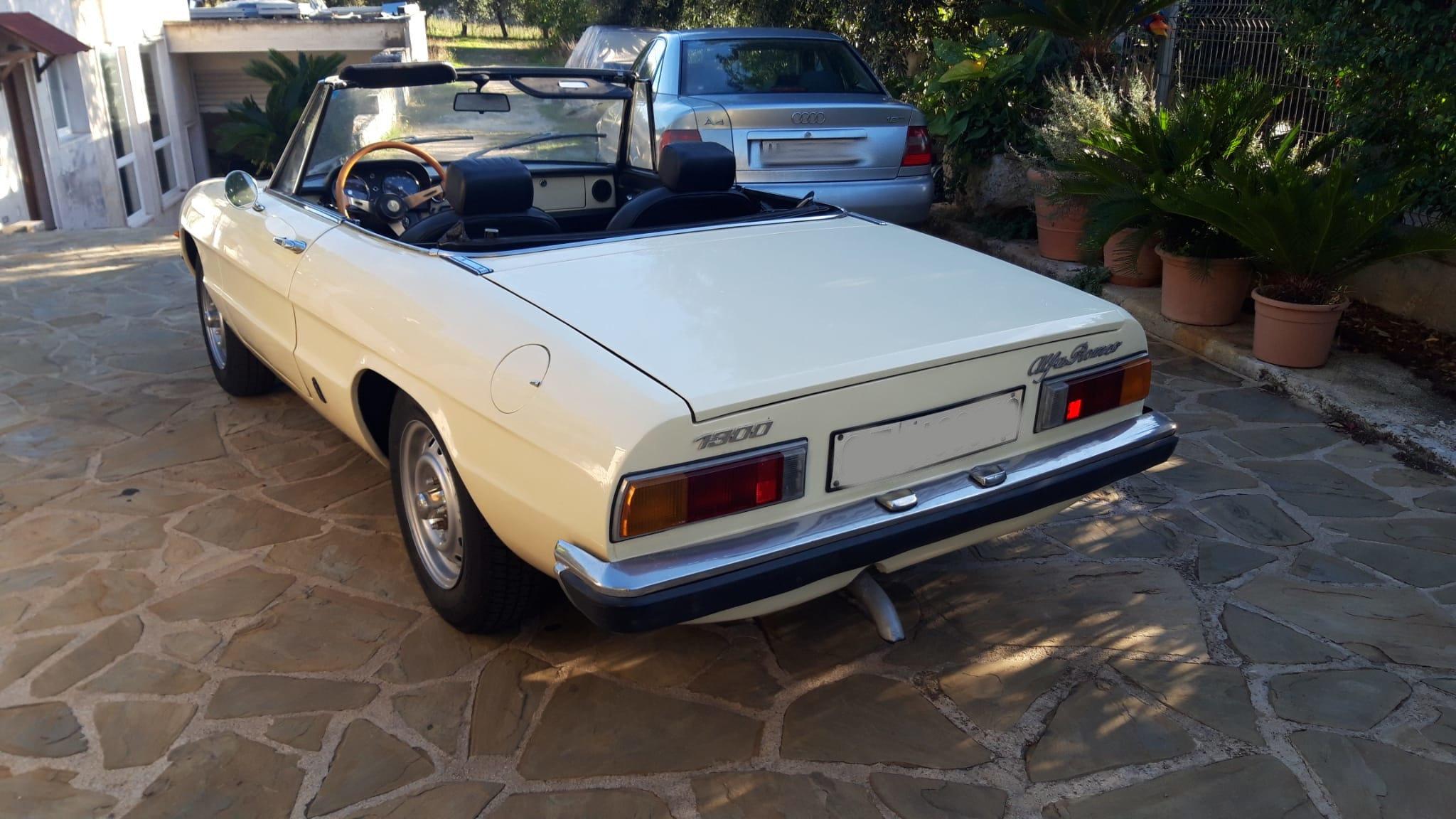 1976 Alfa Romeo Spider Duetto coda tronca 1300 For Sale (picture 3 of 9)