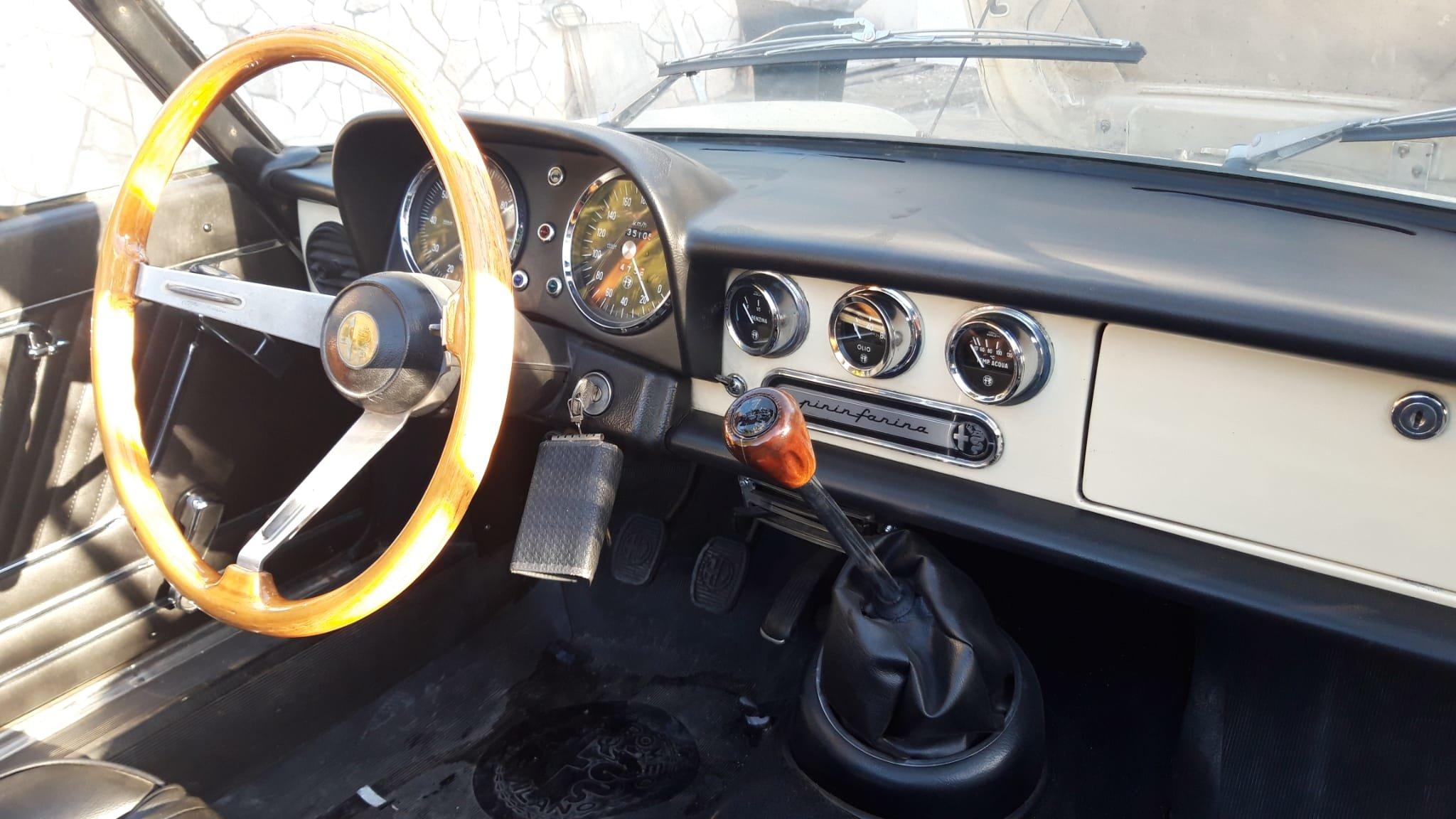 1976 Alfa Romeo Spider Duetto coda tronca 1300 For Sale (picture 5 of 9)