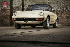 Picture of Beautiful Alfa Romeo Spider 1600 from 1978 fastback  For Sale