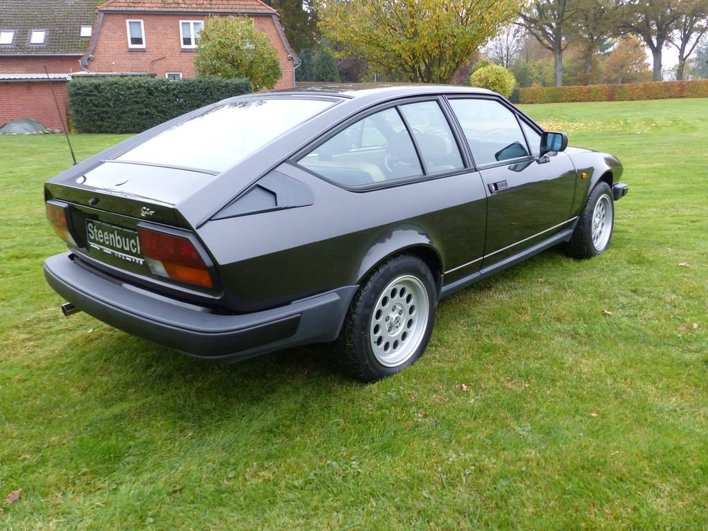 1985 Alfa Romeo GTV 6 - discreetly sporty with an elegant look For Sale (picture 4 of 6)