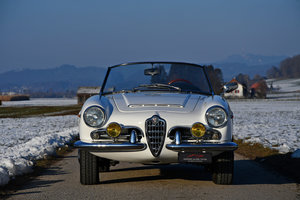 Picture of restored 1963 Alfa Romeo Giulia 1600 Spider For Sale