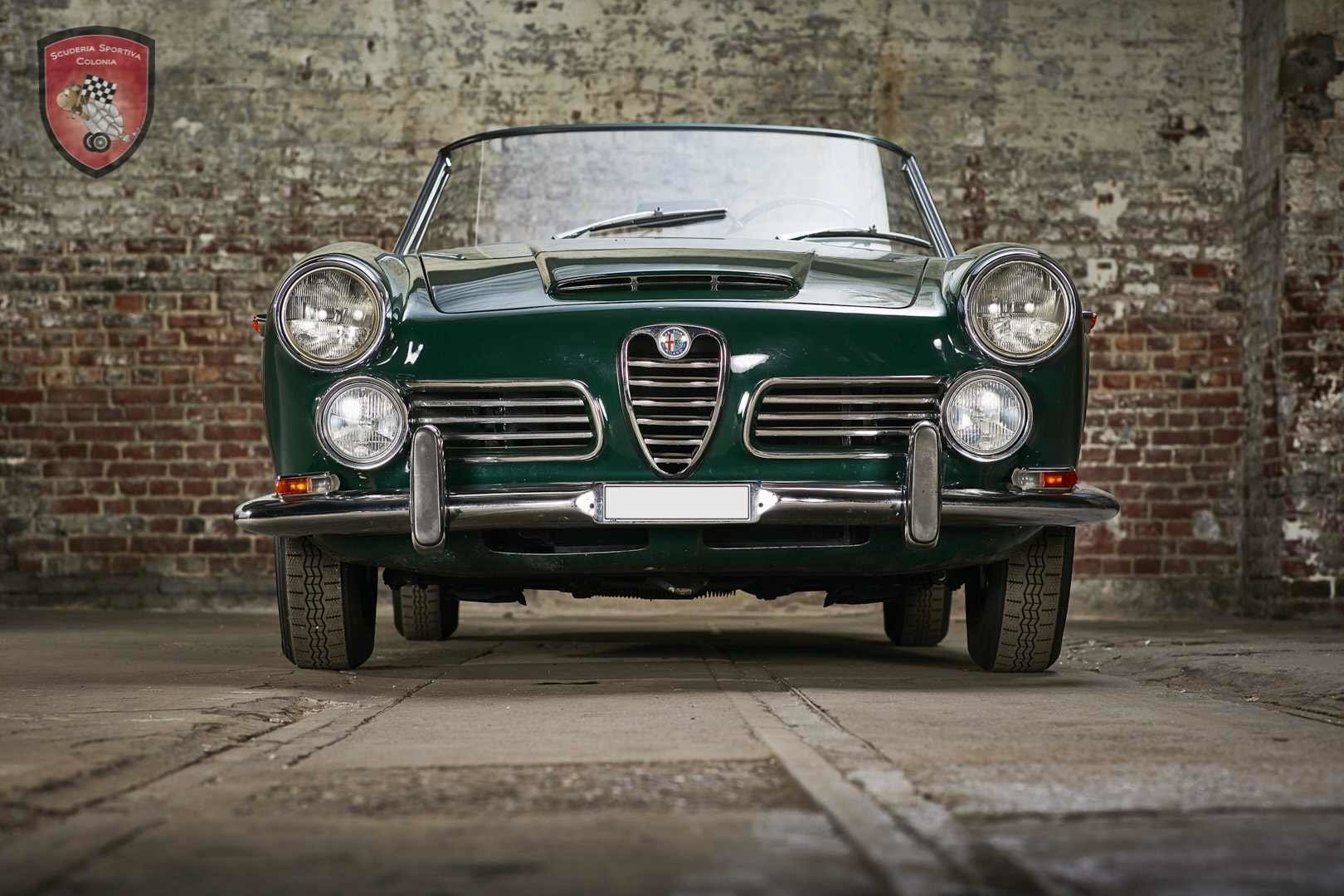 1965 Alfa Romeo 2600 spider Touring For Sale (picture 1 of 12)