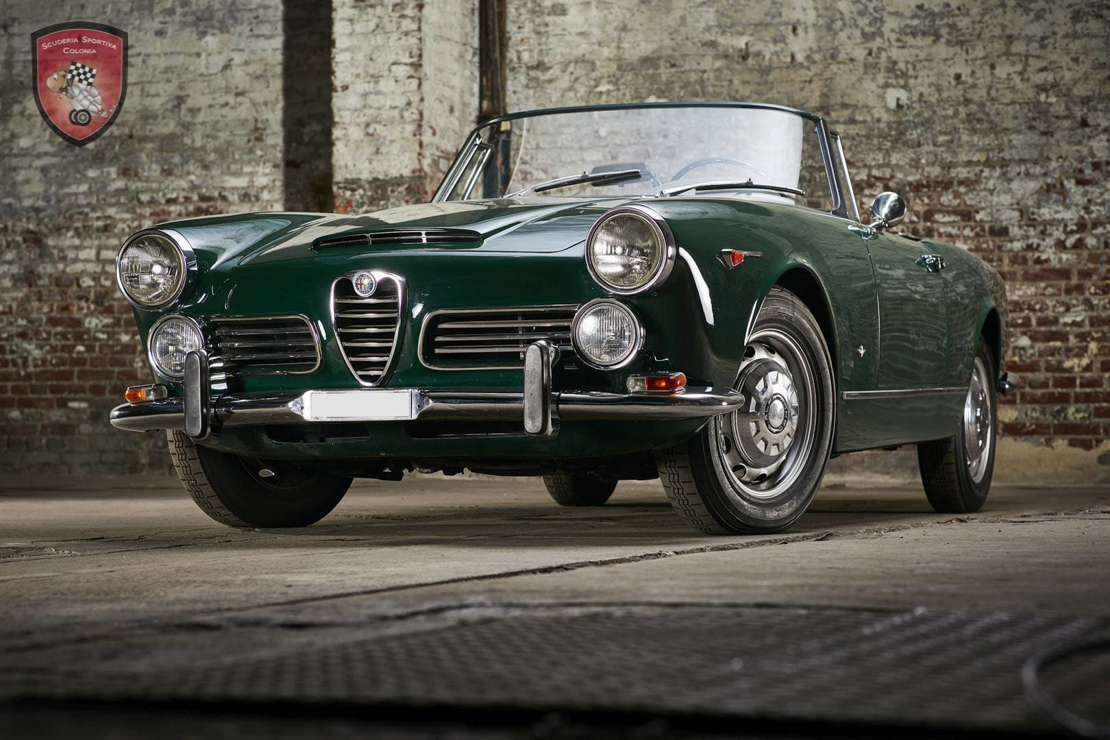 1965 Alfa Romeo 2600 spider Touring For Sale (picture 2 of 12)