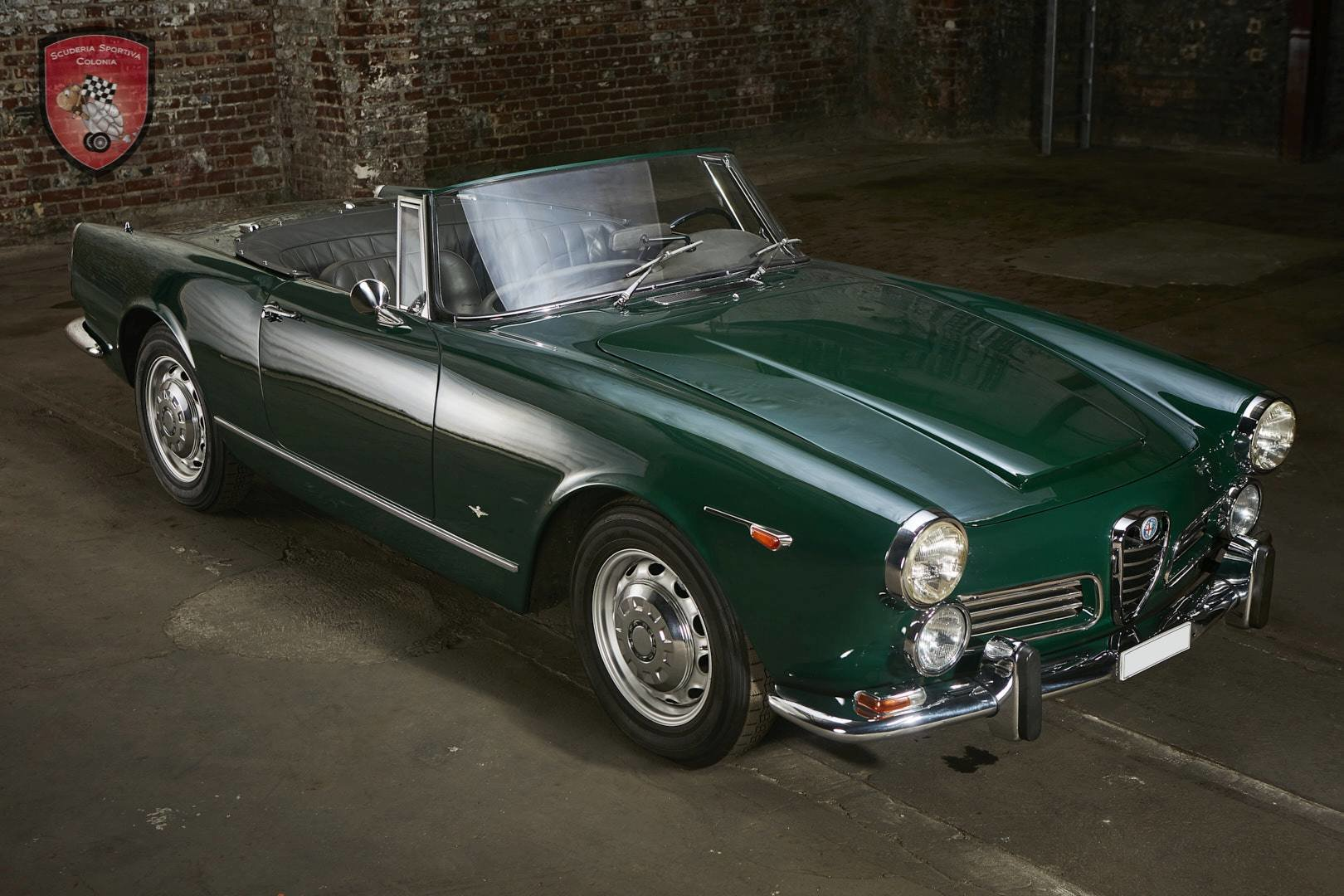 1965 Alfa Romeo 2600 spider Touring For Sale (picture 4 of 12)