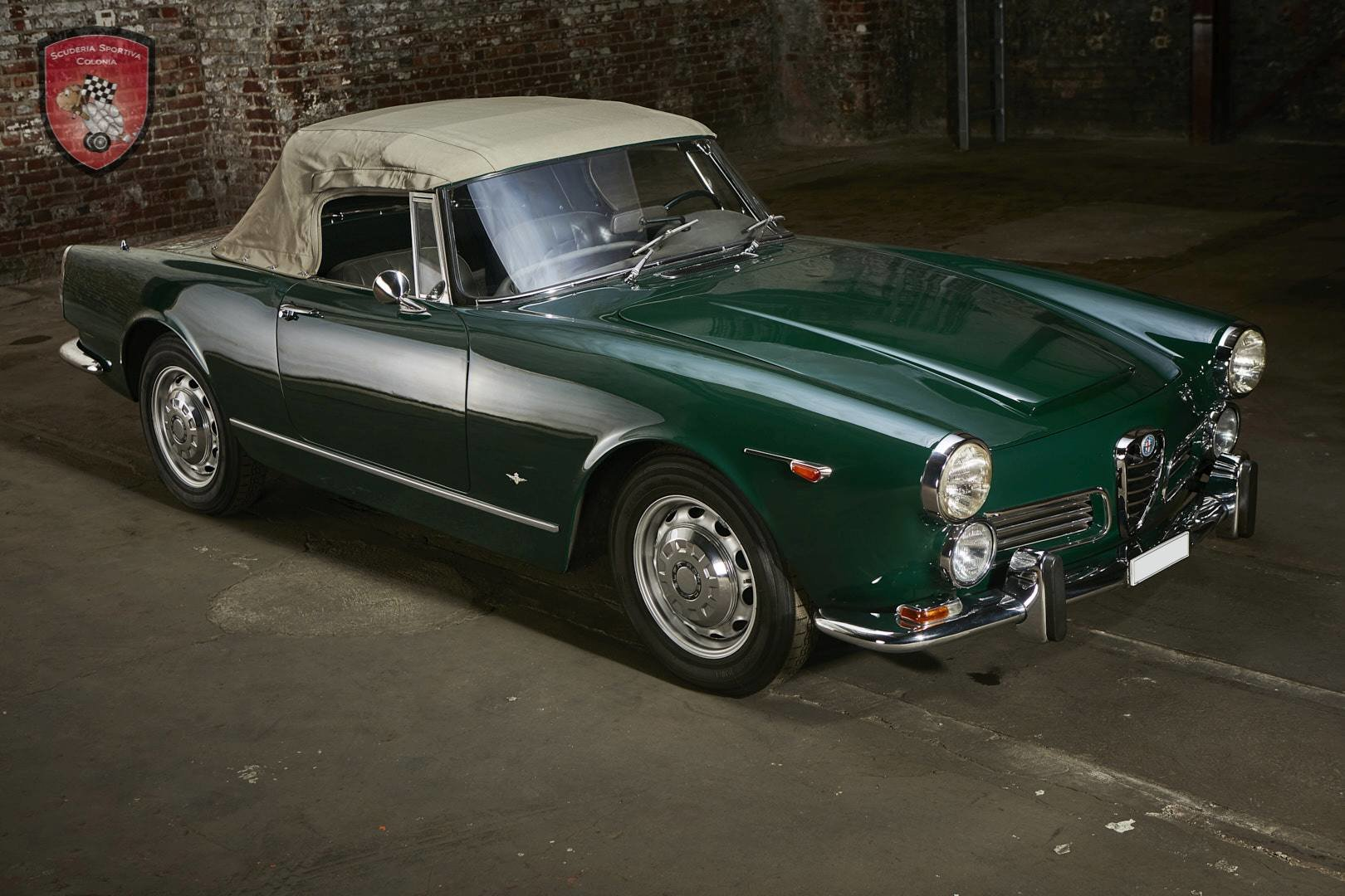 1965 Alfa Romeo 2600 spider Touring For Sale (picture 6 of 12)