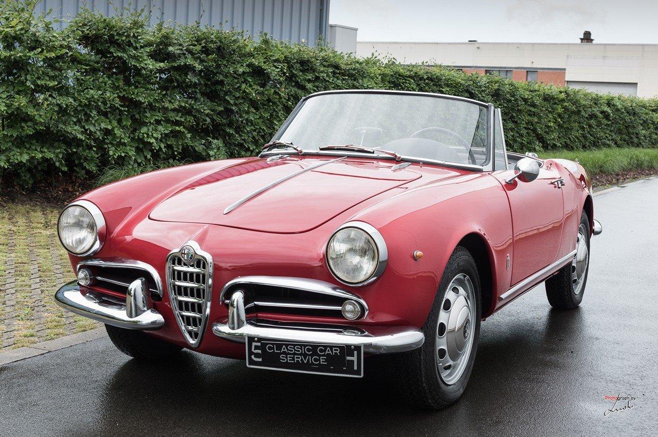 1961 Alfa Romeo Giulietta Spider For Sale (picture 2 of 27)
