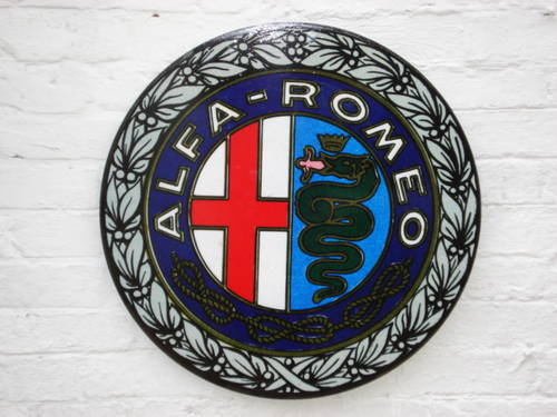 1930 Alfa Romeo 2ft diameter wall sign For Sale (picture 1 of 5)